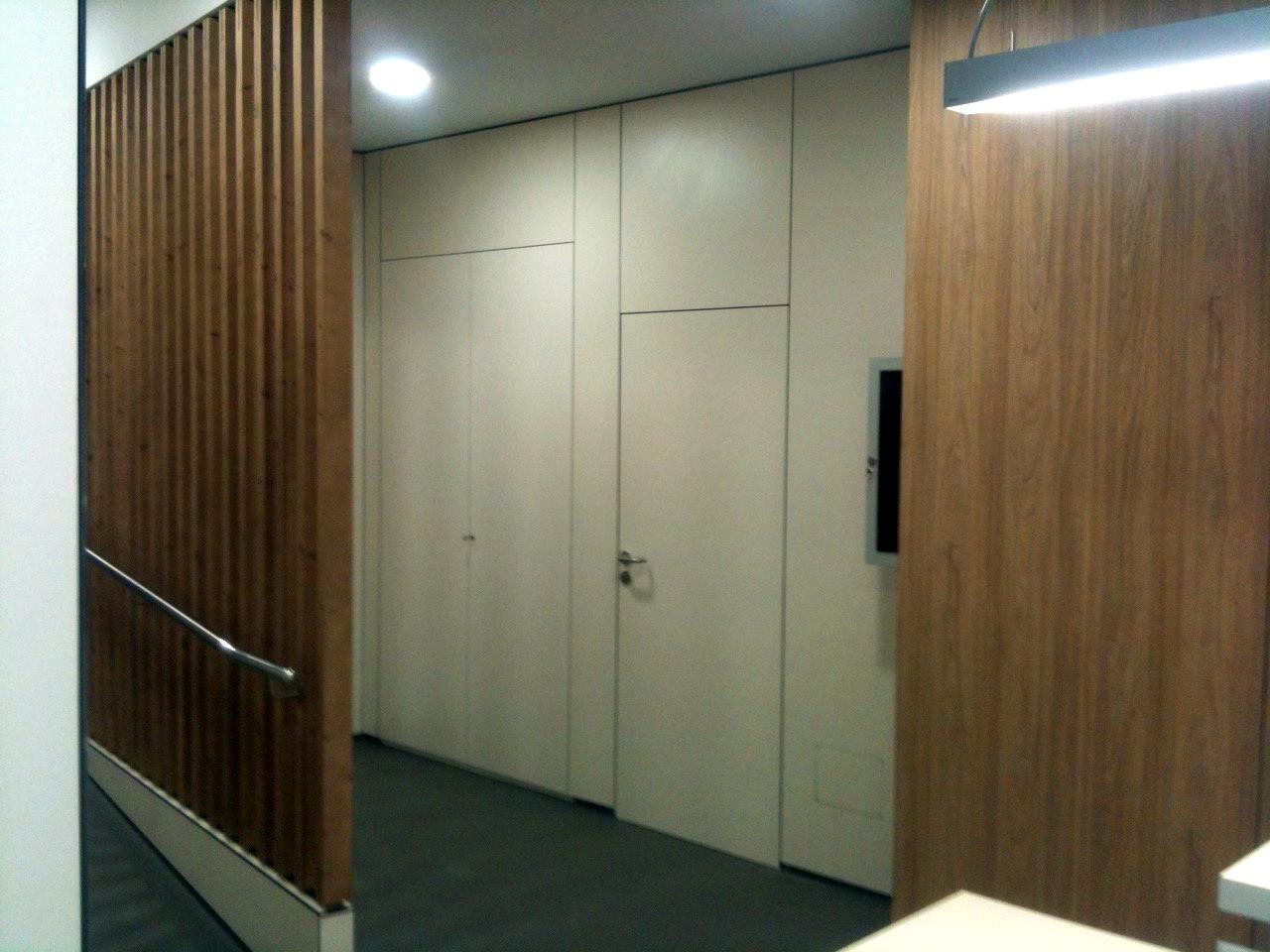 Finestres i portes de fusta a mida. Podem fabricar la porta a mida segons mesures i dissenys del seu interiorista o de vostè mateix. En la secció de fusteria, disposem de la maquinària i tècniques per fabricar portes massisses d'entrada, interiors massisses, xapades, o de dm... Finestres, balconeres, finestres corredisses, portes corredisses... Portes d'interior i d'exteriors. Amb diferents tipus de fusta (pi, roure, castanyer, faig...) tot fabricat a mida i amb pressupost previ. Oferim el tractament, colors diversos, vernissos i muntatge a l'obra. Dissenys de portes a mida proposats per nosaltres o per a vostès mateixos,